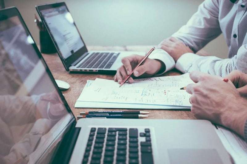 el desarrollo de software a medida es muy habitual en grandes organizaciones